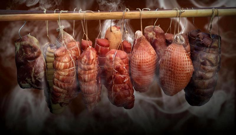 Холодный дым естественным образом консервирует продукты