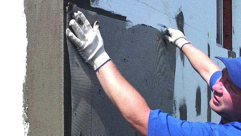 Подготовка стены с наружным утеплением – фиксация армирующей сетки