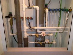 Распланируйте размещение труб водоснабжения и канализации