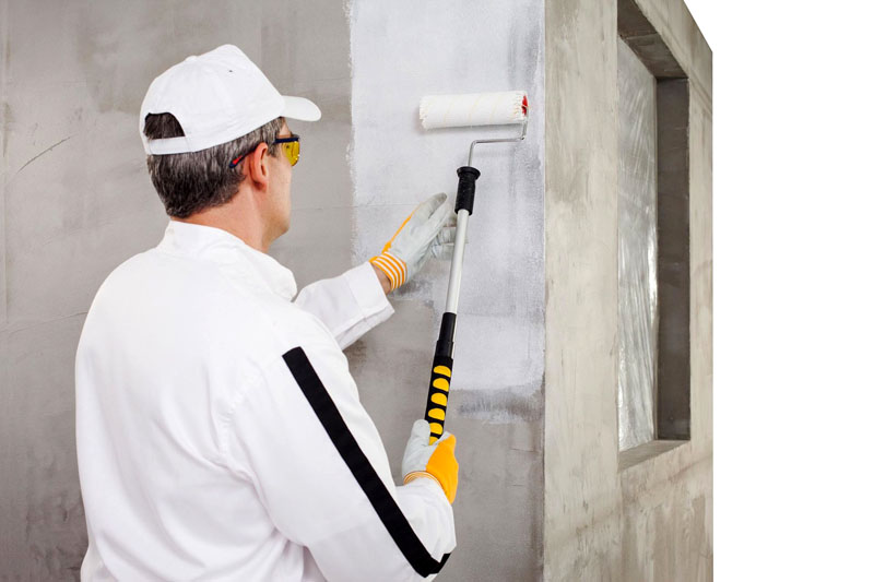Подготовка бетонных стен – нанесение грунта
