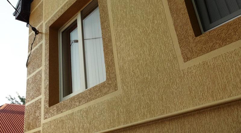 Окрашивание позволяет комбинировать на фасаде несколько оттенков