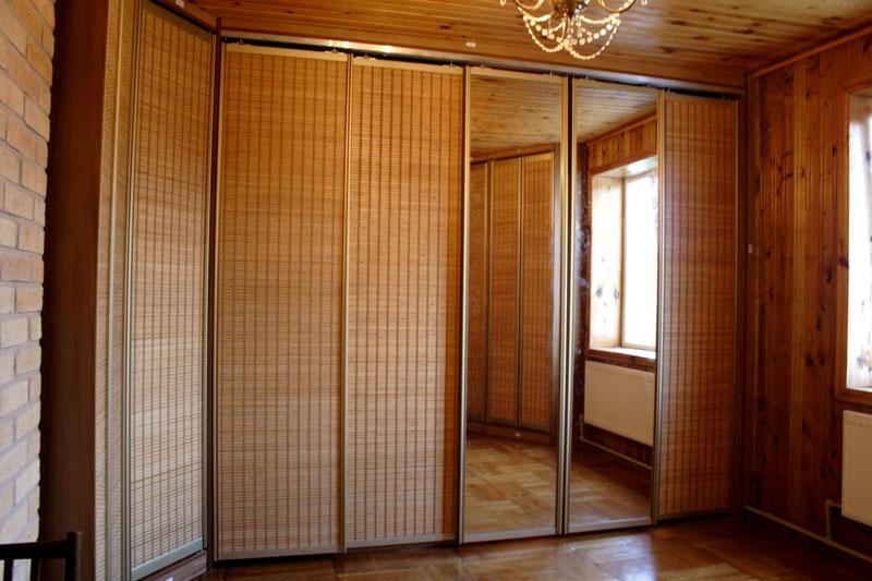 Комбинирование зеркальных и бамбуковых створок