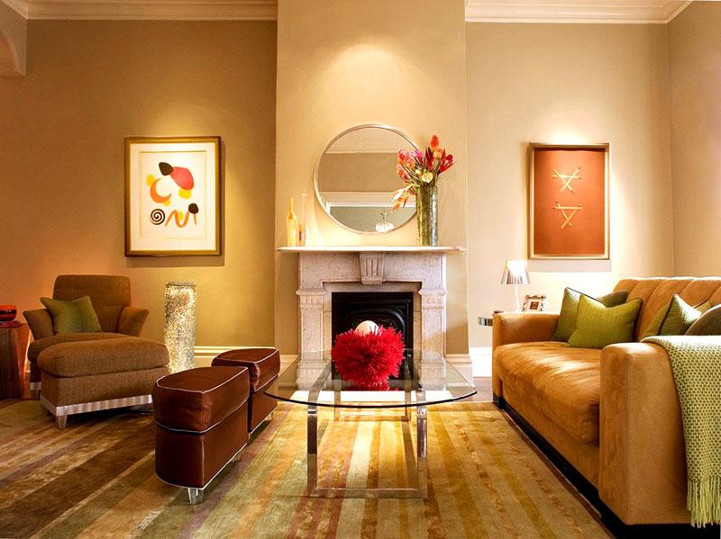 Тёплая палитра гостиной с оливковыми акцентами