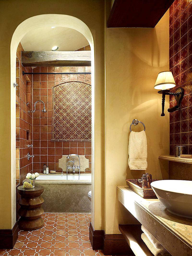 Нейтральный приглушённый зелёный цвет подчеркнёт изысканный кафель на полу и стенах