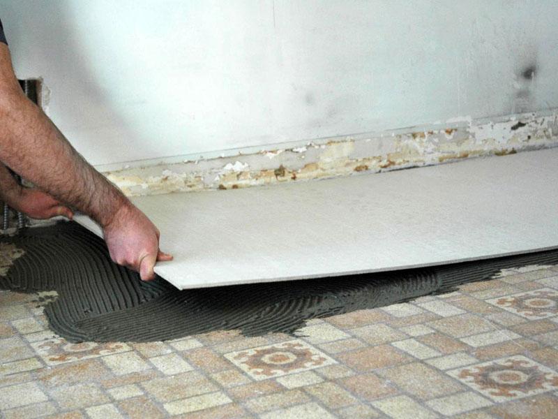Монтаж плит ЦСП на керамический пол с помощью цементного раствора