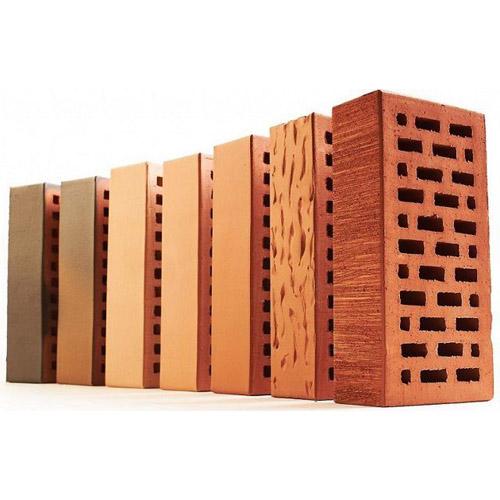 Разнообразие материалов для отделки фасада частного дома