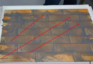 Диагональное направление движений по уборке излишек фуги