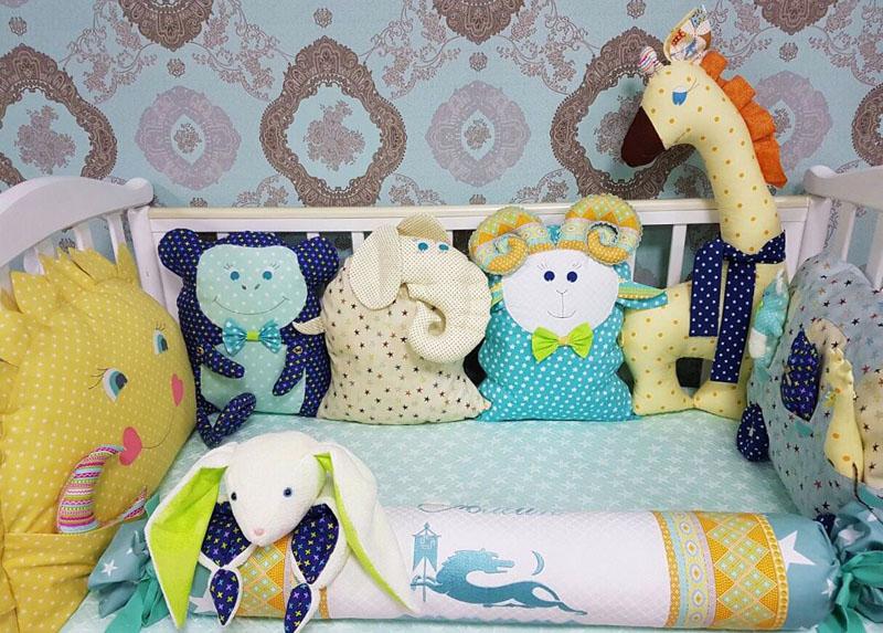 Бортики в кроватку для новорожденных: фото