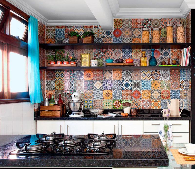 Кафель в стиле пэчворк наполнит помещение красками