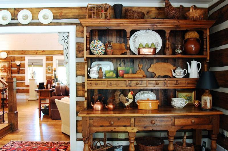Старинный буфет займёт достойное место на кухне