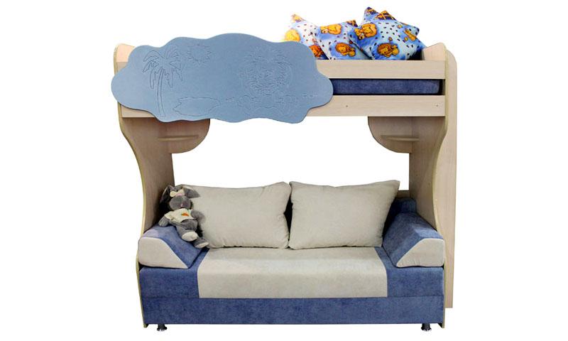 Место на диване оборудовано удобными полочками