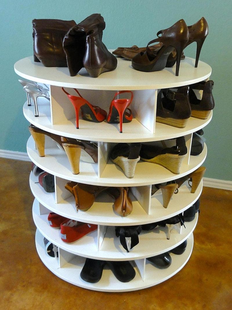 Вращающаяся конструкция может разместить только сезонную и демисезонную обувь
