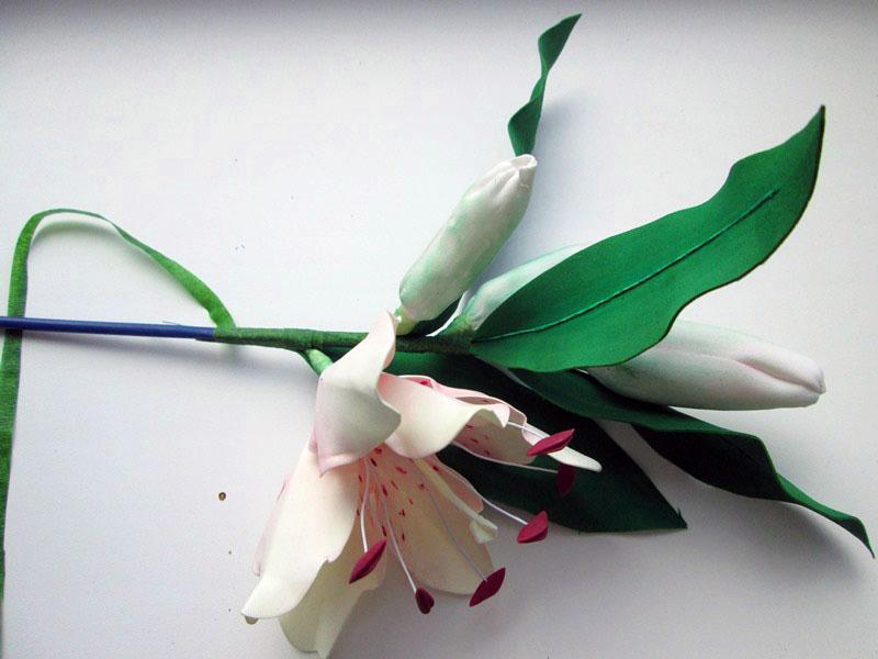 ---20 Цветы из фоамирана своими руками 75 фото для начинающих