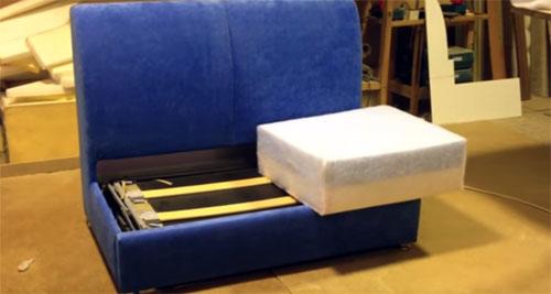 Современный и компактный: кухонный уголок со спальным местом, о котором вы мечтали