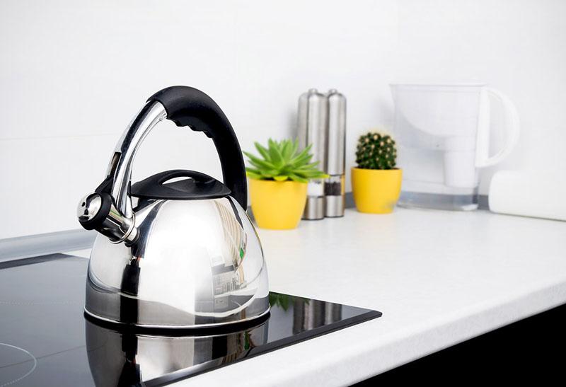 Важно поддерживать чистоту прибора как снаружи, так и внутри