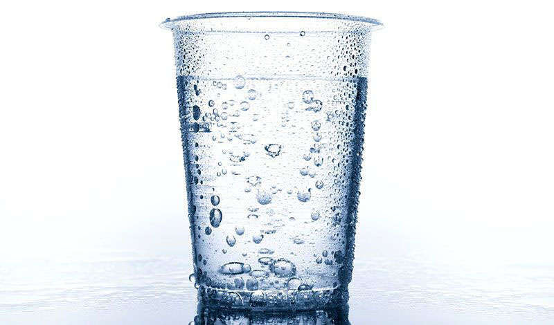 Стакан с водой для определения влажности – дёшево и сердито