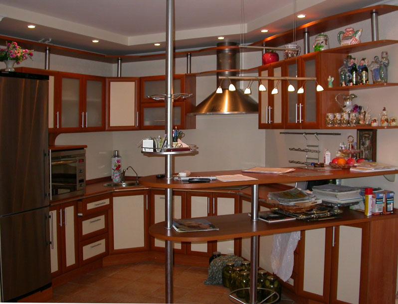 Двухуровневая стойка – функциональный элемент для маленькой кухни