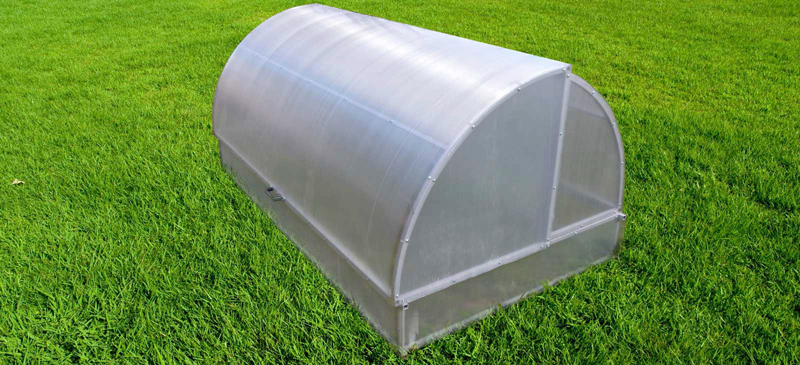 Крыша парника «Лотос» открывается с двух сторон