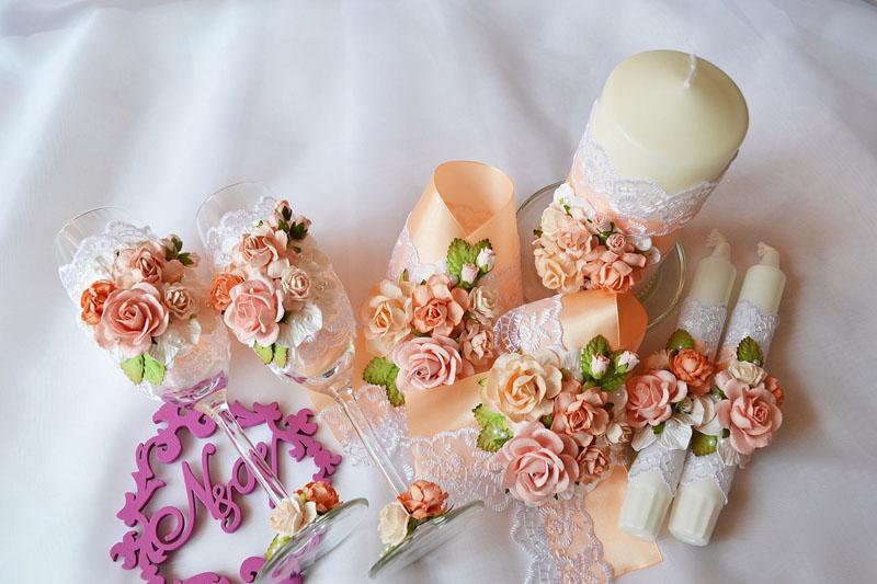 В самый раз для украшения стола молодожёнов на персиковой свадьбе