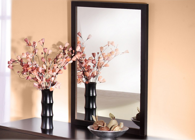 Чистые зеркала наполняют квартиру уютом