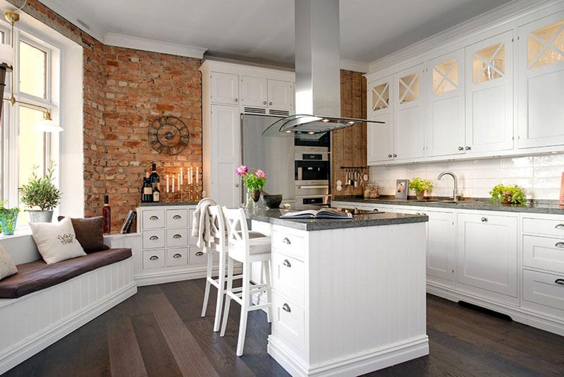 П-образное размещение кухни с диваном