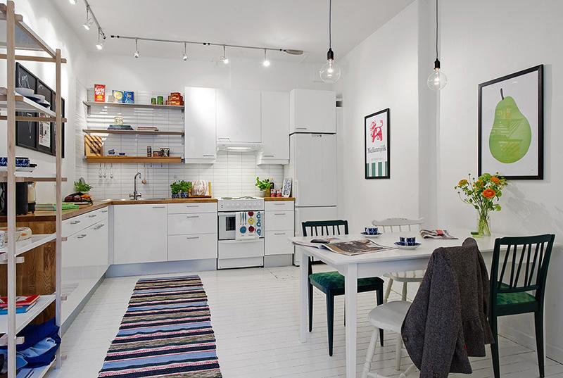 Лампочка Эдисона – интересный акцент в оформлении кухни в скандинавском дизайне