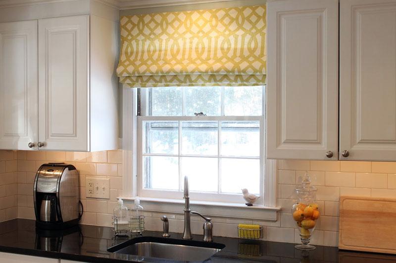 Римские шторы – это оптимальный вариант декора окна