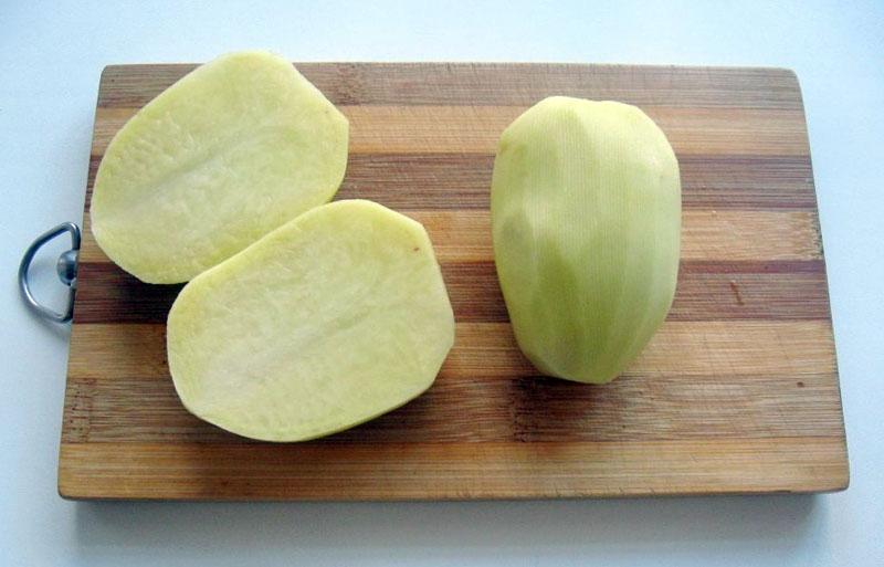 Для поверхности достаточно одного картофеля