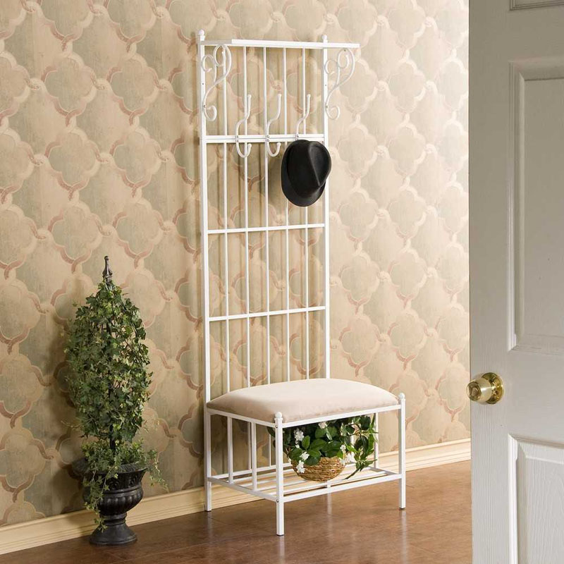 Дизайнерская модель − стул с сиденьем из окрашенного металла
