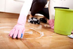 20 профессиональных советов, как быстро почистить диван от пятен без разводов