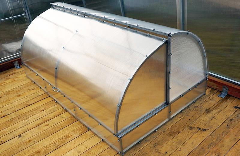 «Хлебница» – простая и проверенная временем конструкция парника