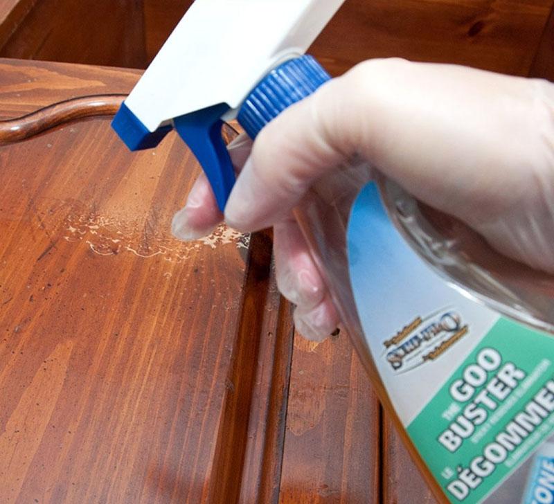 Средство для стёкол не только для окон, но и для отчистки любых других поверхностей