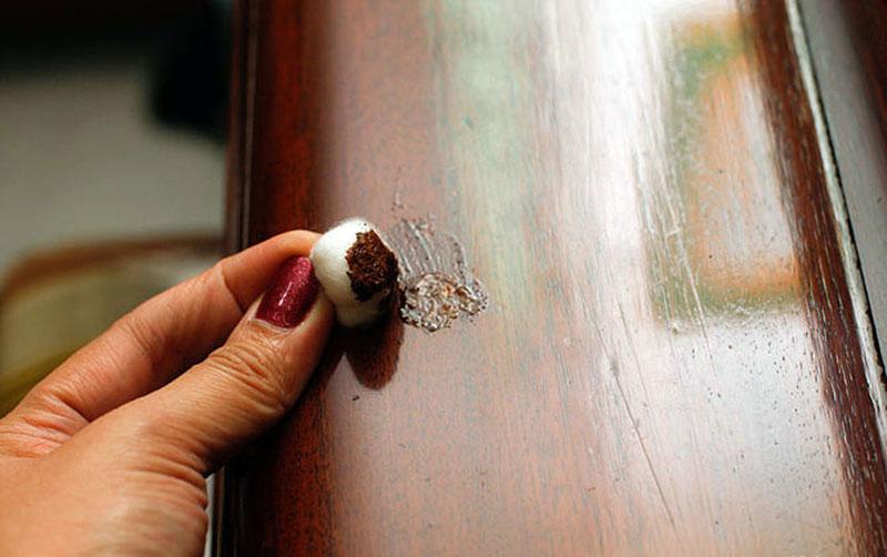 Мастикой можно реставрировать полированные поверхности