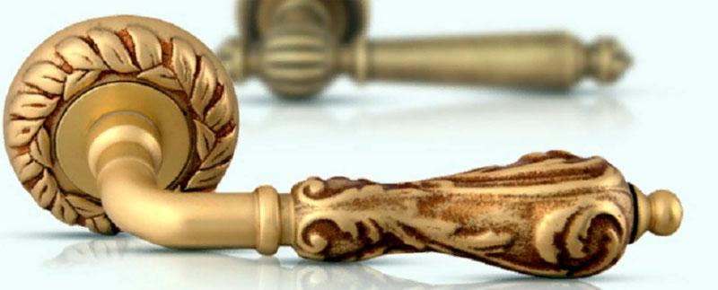 Элитная дверная ручка