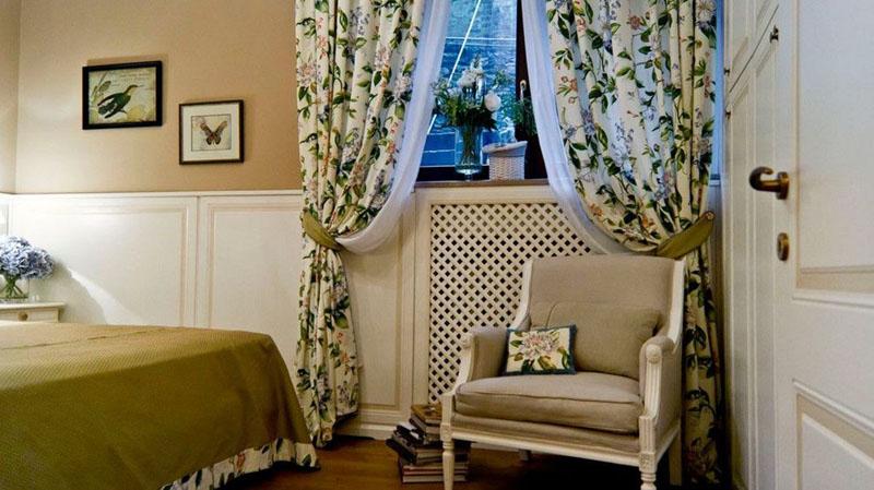 Цветочный принт в стиле прованс создаёт романтический настрой