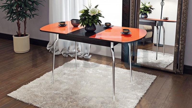 Вставки изготовляют из различных материалов: стекла, дерева, пластика