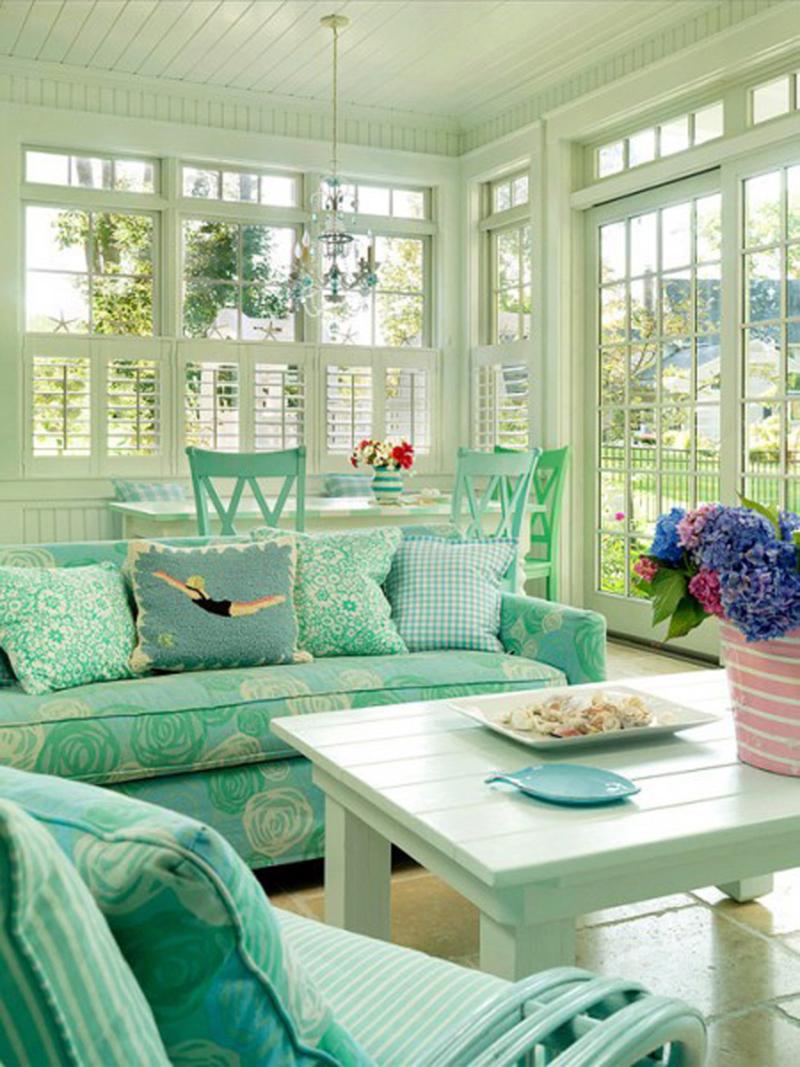 В мятном цвете основной оттенок – зелёный, а в тиффани− голубой