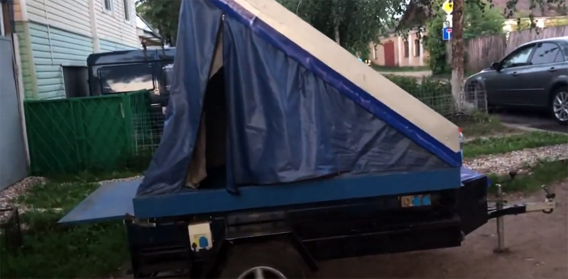 В результате получилась конструкция со спальным местом размером 2×1,4 метра