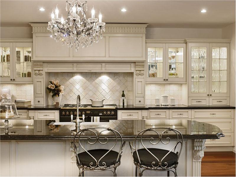 Изящество и простота белого цвета в интерьере кухни: фото современных проектов в разных стилях