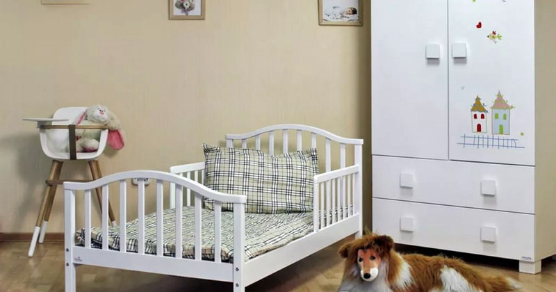Диван, тахта, софа или кушетка c бортиком: как правильно выбрать детскую мебель