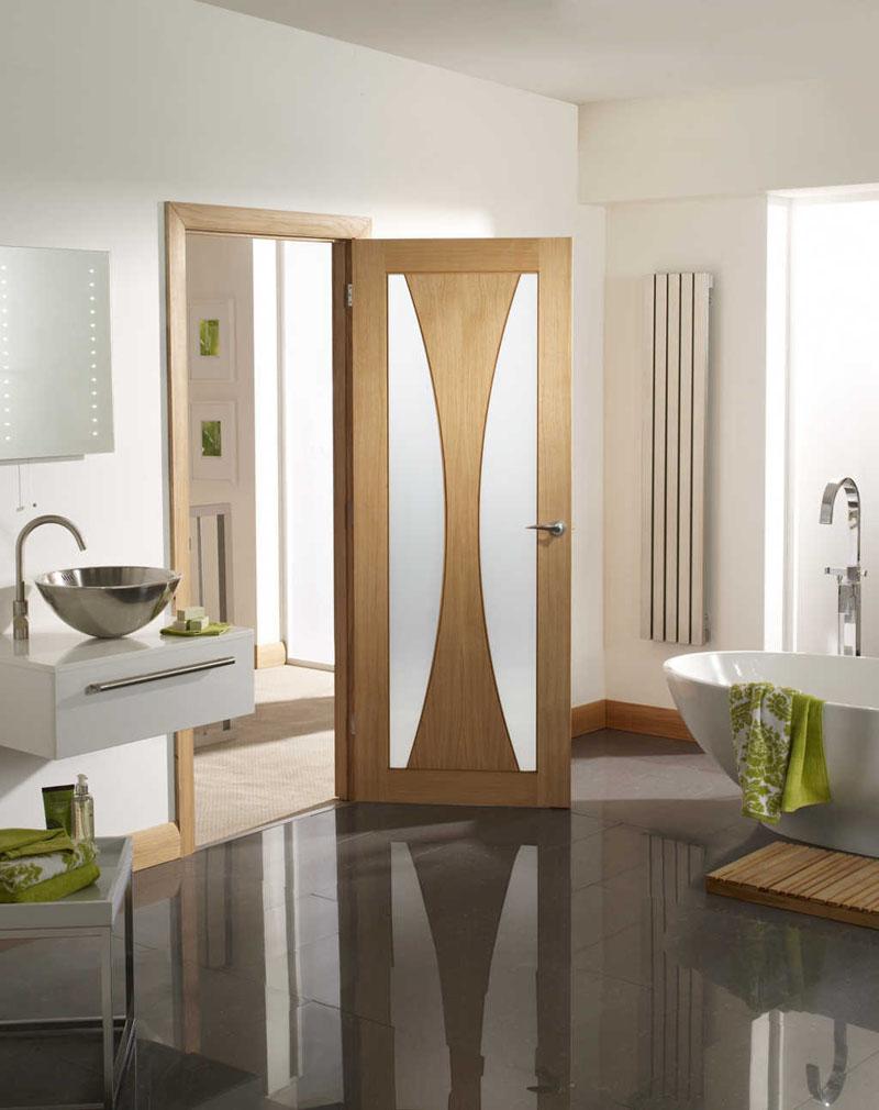 Перед выбором шпонированных дверей нужно проверить качество вентиляции