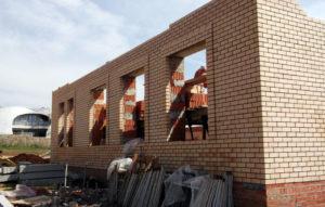 Что скрывают стены новостроек: современные технологии возведения строений из поризованного кирпича