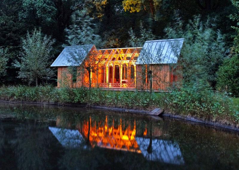 Согласитесь, уютный домик, в котором можно сэкономить на квартплате и отоплении