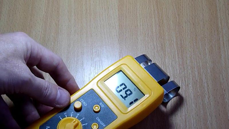 Использование диэлькометрической модели при проверке влажности плитных материалов (ДСП)