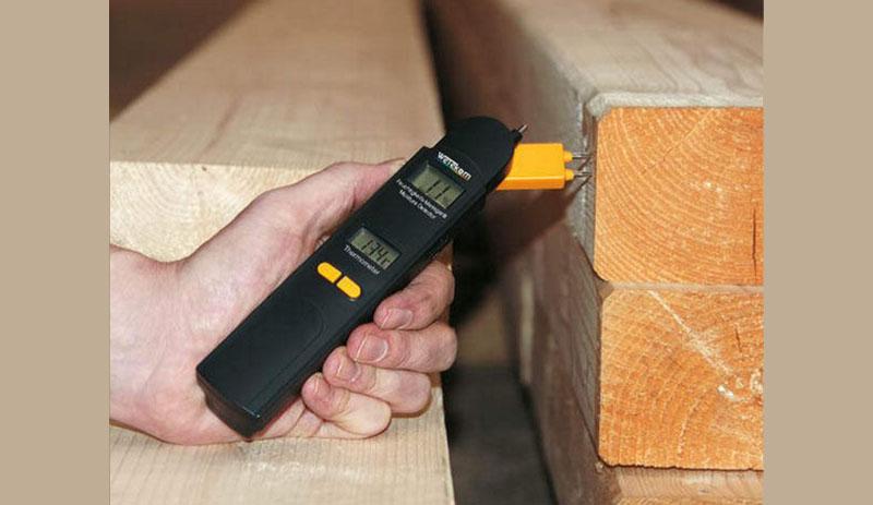 Использование прибора поверхностного типа для измерения влажности пиломатериалов