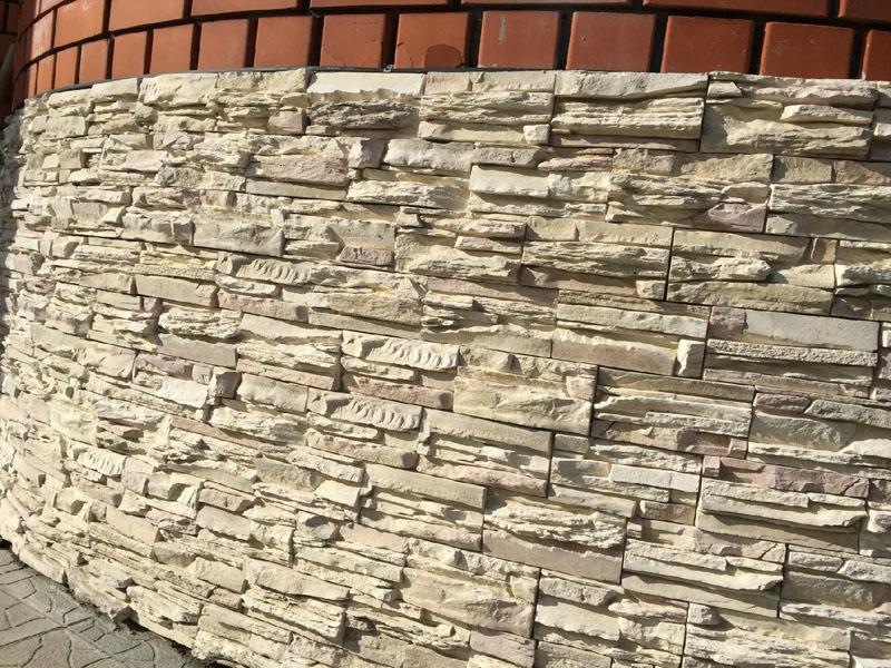 облицовка фундамента искусственным камнем