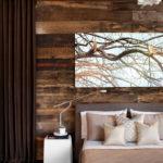 Изысканно и шикарно: как использовать обожженное дерево в интерьере