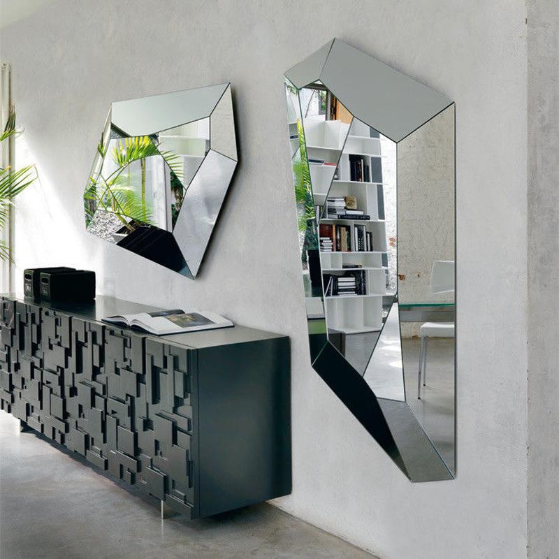 Старайтесь, чтобы зеркальное отражение выглядело в стиле оформления всего помещения