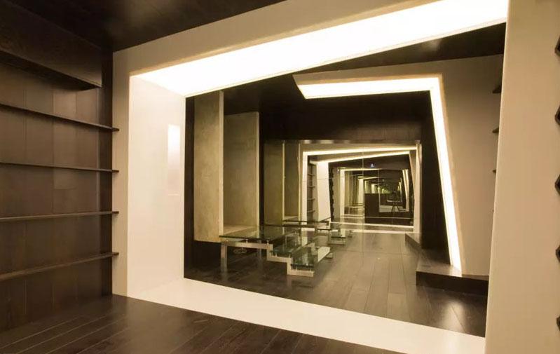 Эффект бесконечного тоннеля подойдет не каждой комнате