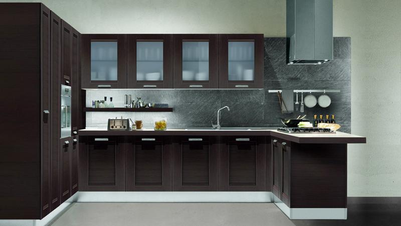 Кухонный гарнитур из МДФ выглядит роскошно